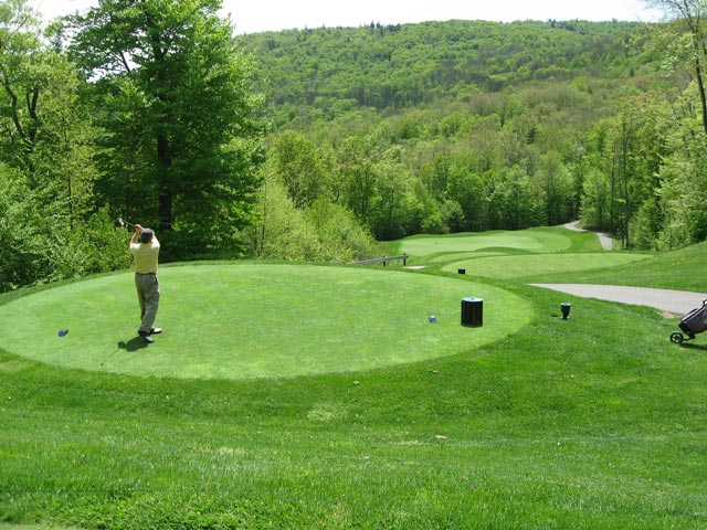 The elevated tee into the 13th green at Green Mountain National Golf Course, Killington VT